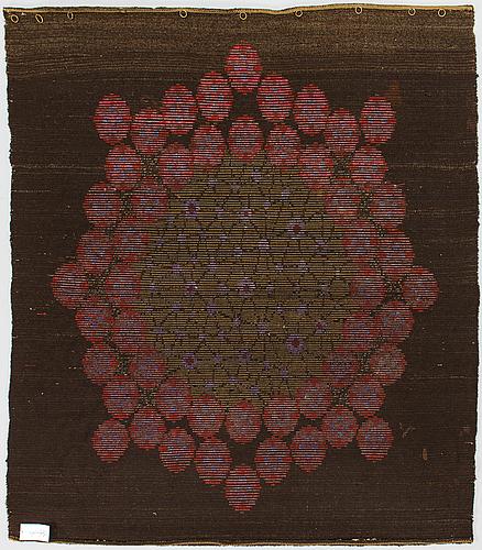 An early finnish 20th century rya rug. circa 173x150 cm.