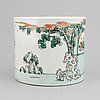 A chinese famille verte porcelain brush pot, kangxi style, 20th century.