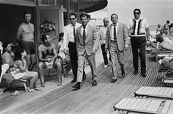 "121. Terry O'Neill, ""Frank Sinatra, Miami Beach, 1968""."