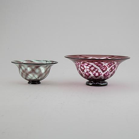 Eva englund, två skålar, glas, varav en graal, orrefors.