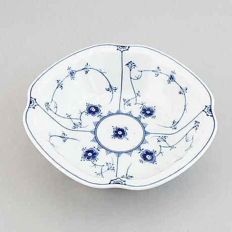 Bing & gröndahl, 40 psc 'musselmalet'  porcelain dinner service.