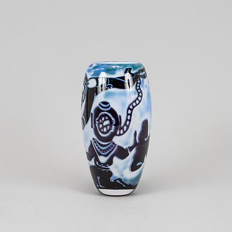 Robert huber petersson, an unique graal vase sweden, 2010.