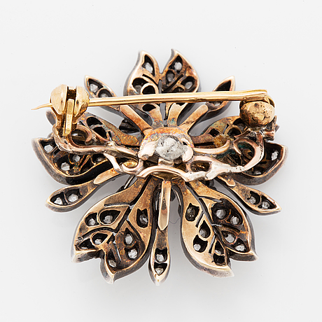 Old-cut and rose-cut diamond flower brooch.