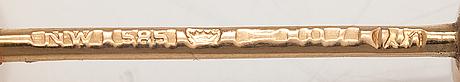 Olli auvinen, riipus, 14k kultaa, viljelty helmi. westerback, helsinki 1967.