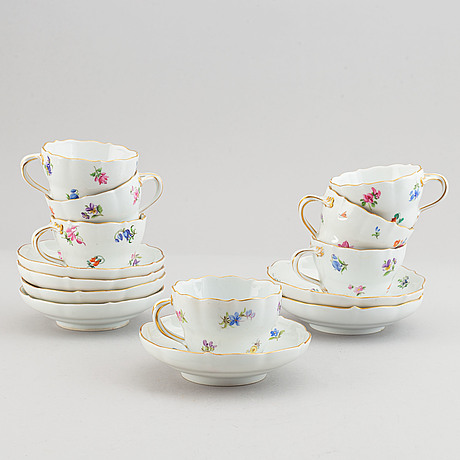 A meissen porcelain coffee service, 18th and 19th century (24 pieces).