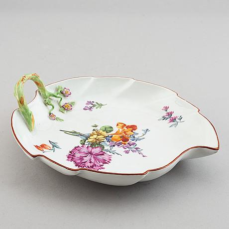 A meissen leaf shaped dish, 19th century.