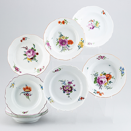 Eight meissen porcelain plates, marcolinis period (1774-1814).