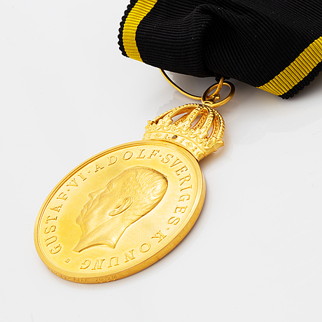 Gustaf vi adolf, medal, gold, in box with ribbon. dated 1959.