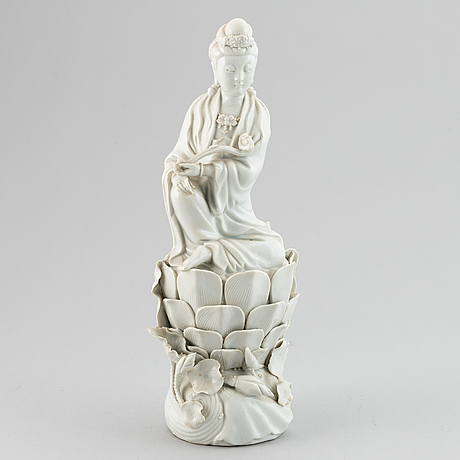 A blanc de chine figurine of a guanyin, 20th century.