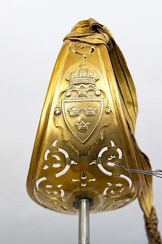 Sabel (pallasch) m/1893, för officer vid kavalleriet. lång modell.