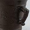 Mortel med stöt,  brons, 1800-tal.