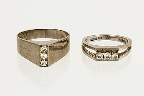 2 rings 18k whitegold 6 brilliant-cut diamonds approx 0,30 ct in total.