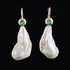 Cultured freshwater pearl earrings.