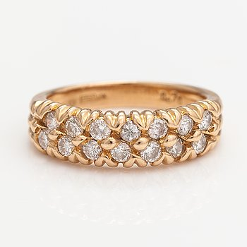 An 18K gold ring with diamonds ca. 0.70 ct in total. Sweden.
