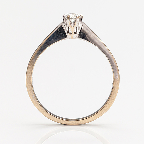 An 18k white gold ring with a ca. 0.15 ct in total according to engraving.