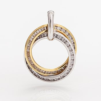 An 18K gold pendant with diamonds ca. 0.50 ct in total.