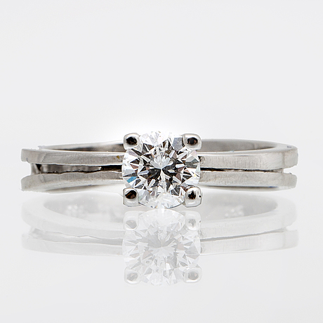 Ring 14k whitegold with 1 brilliant-cut diamond approx 0,50 ct approx h-i si.