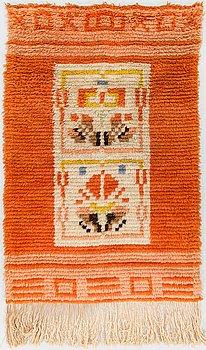 A 1930's Finnish long pile rug. Circa 105x68 cm.