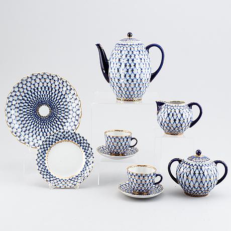"""Kaffeservis, 16 delar, porslin, """"cobalt net"""", lomonosov, ryssland."""