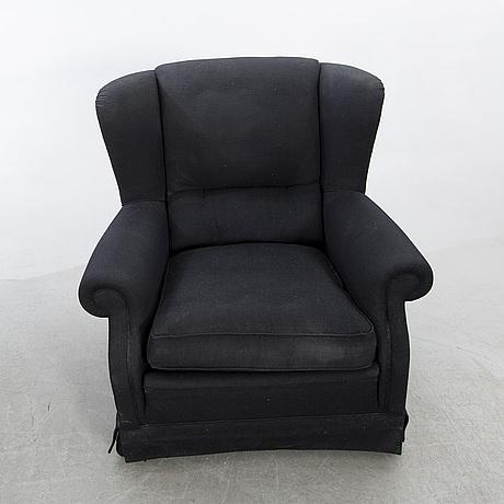 Fåtöljer med fotpall ett par jio möbler omkring 2000.