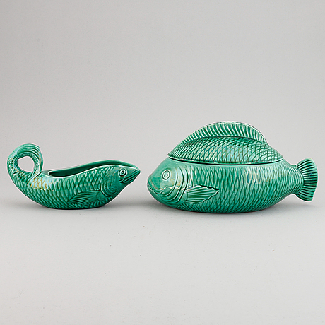 Two pieces faiance fish service by sarreguemines, france.