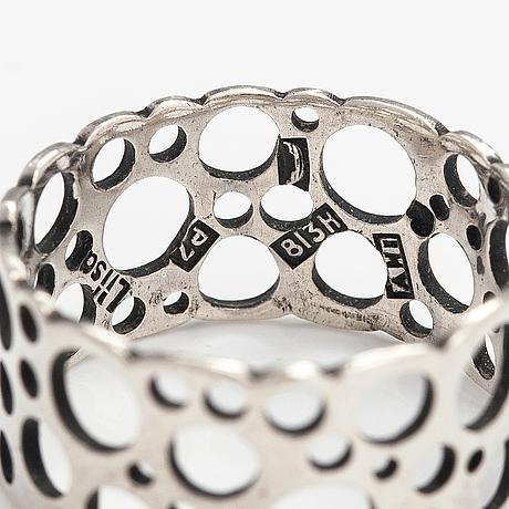 "Liisa vitali, ring ""pitsi"", silver. aatos johannes hauli, helsingfors 1968."