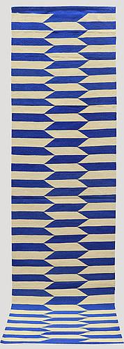 A runner, flat weave, ca 298 x 82 cm.