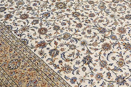 A carpet, kashan, ca 400 x 289 cm.