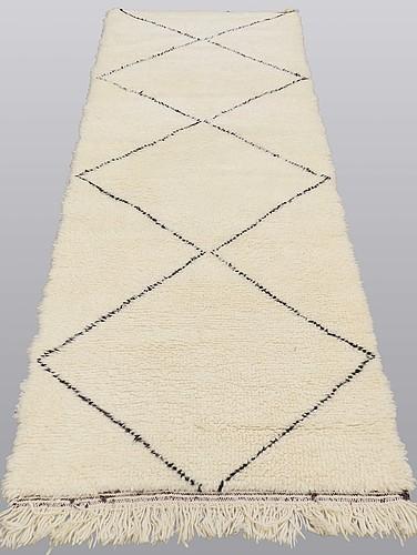 A moroccan runner carpet, 275 x 90 cm.