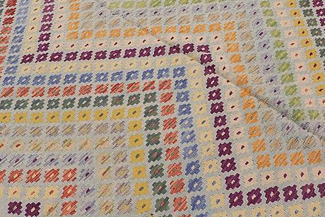 A kelim carpet, 300 x 196 cm.