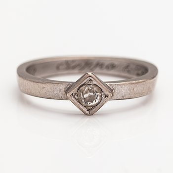 A 14K white gold ring with a ca. 0.20 ct diaomnd. Faber art, Helsinki.