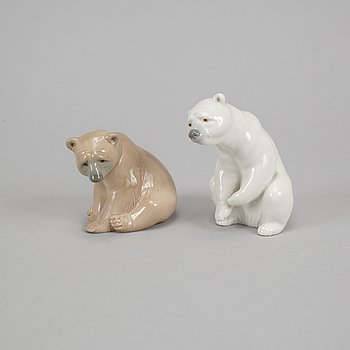 Lladrò two porcelain polar bears, Spain.