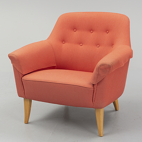 A late 20th century easy chair.