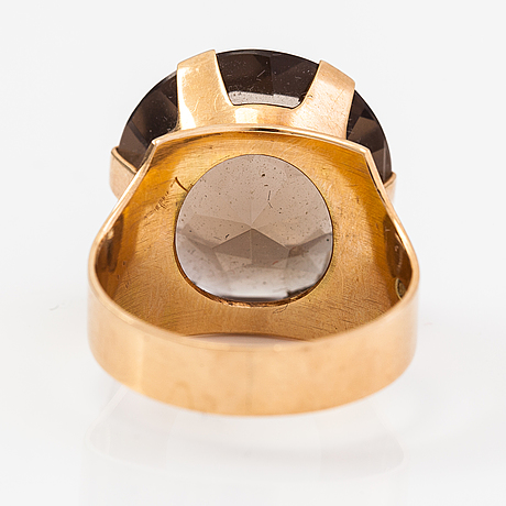A 14k gold ring with a smoaky quartz. nummilan koru, turku 1966.