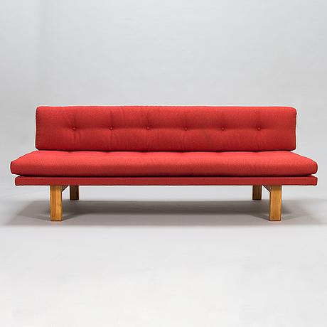 """Carl gustaf hiort af ornäs, sohva, """"pajatso"""", puunveisto oy - träsnideri ab, 1950-luku."""