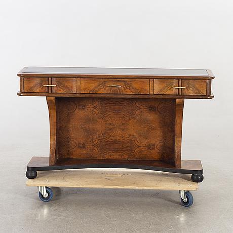Sideboard, 1900-talets mitt.