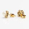 Örhängen, 18k guld, oldade pärlor, diamanter ca 0.09 ct tot.