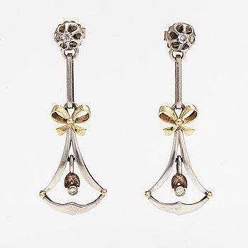 Örhängen, silver och guld, diamanter ca. 0.10 ct tot.