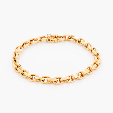 18k gold bracelet.