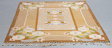 Ingegerd silow, a carpet, flat weave, signerad, ca 234 x 168 cm.