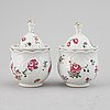 Cremekoppar, ett par, porslin. qingdynastin, qianlong (1736-95).
