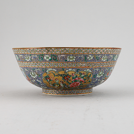 Skål, porslin. qingdynastin, 1800-tal. kanton för persisk marknad.