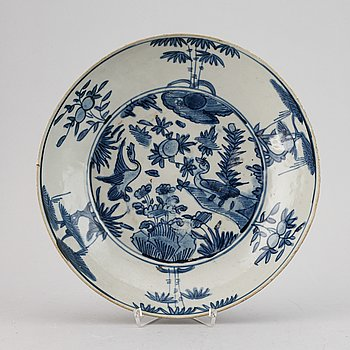 A blue and white dish, Ming dynasty (1368-1644).