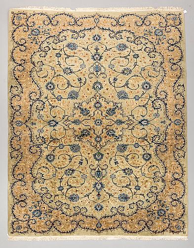 Matta, keshan old ca 376 x 301 cm.