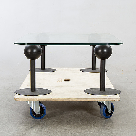 "Philippe starck, coffee table ""pepper young"" för disform, 1980-tal."