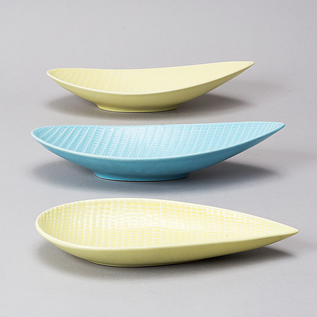 "Stig lindberg, a set of three ""reptile"" vases and three bowls from gustavsberg."