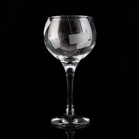 Yrjö edelmann, an unique wine glass, signed and made year  2000.