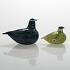 Oiva toikka, two glass birds, signed oiva toikka nuutajärvi notsjö.