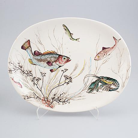 A part 'fish' earthenware dinner service, johnson bros, england (11 pieces).
