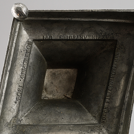 Martin artedius, ljusstakar, 2 stycken, tenn, norrköping (verksam/mästare 1800-1808), sengustavianska, 1802.